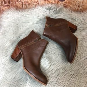 SOFFT Brown stacked heel booties size 7.5